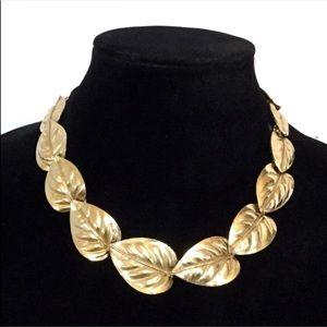 Vtg Trifari Gold Tone Leaf Necklace Adjustable